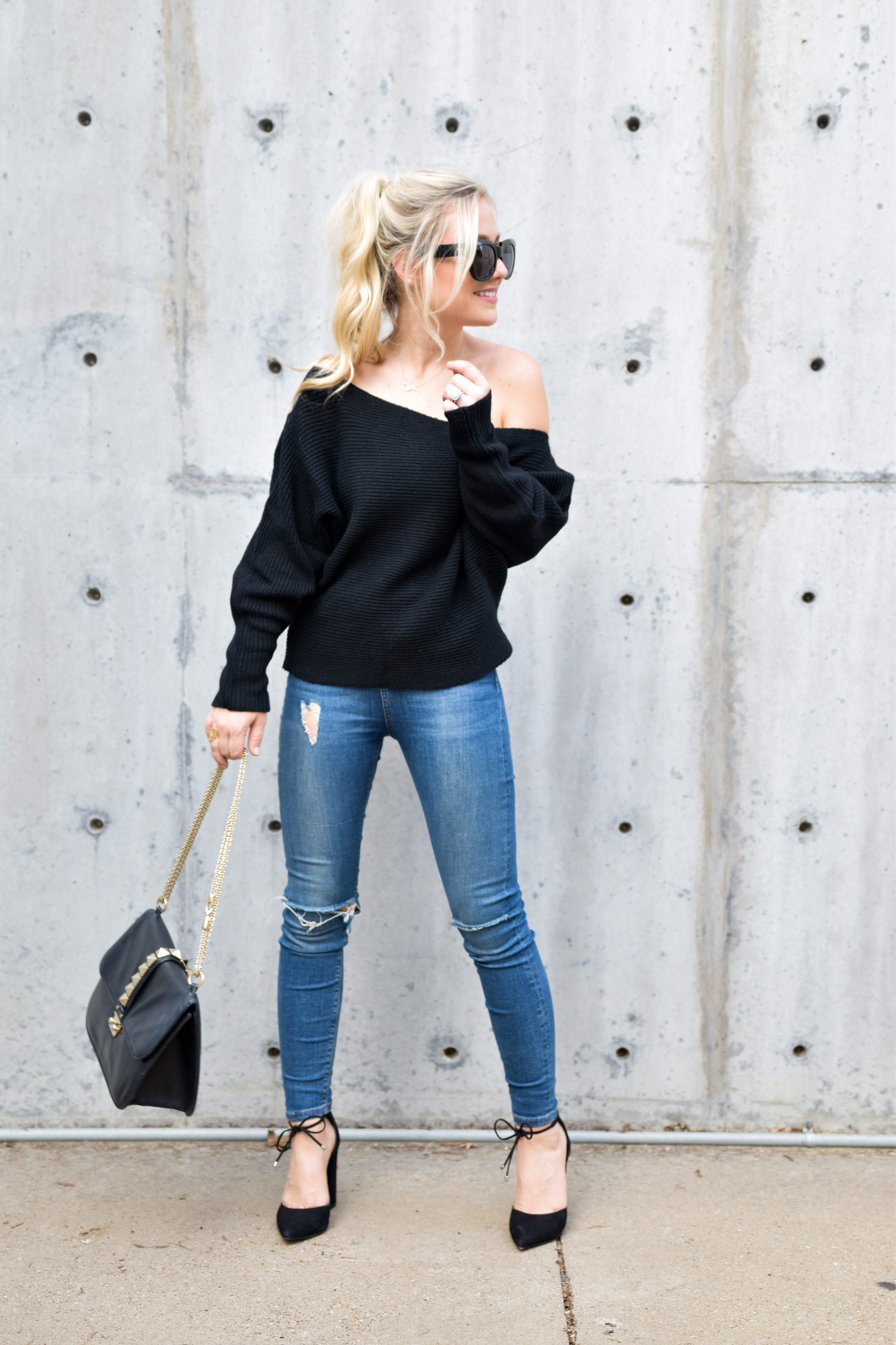 nordstrom, off-the-shoulder-sweater, nordstrom-sweater, nordstrom-topshop, topshop-jeans, jeans-under-$100, valentino-handbag, steve-madden, steve-madden-heels, casual-fall-look, fall-fashion, lo-murphy, fall-style
