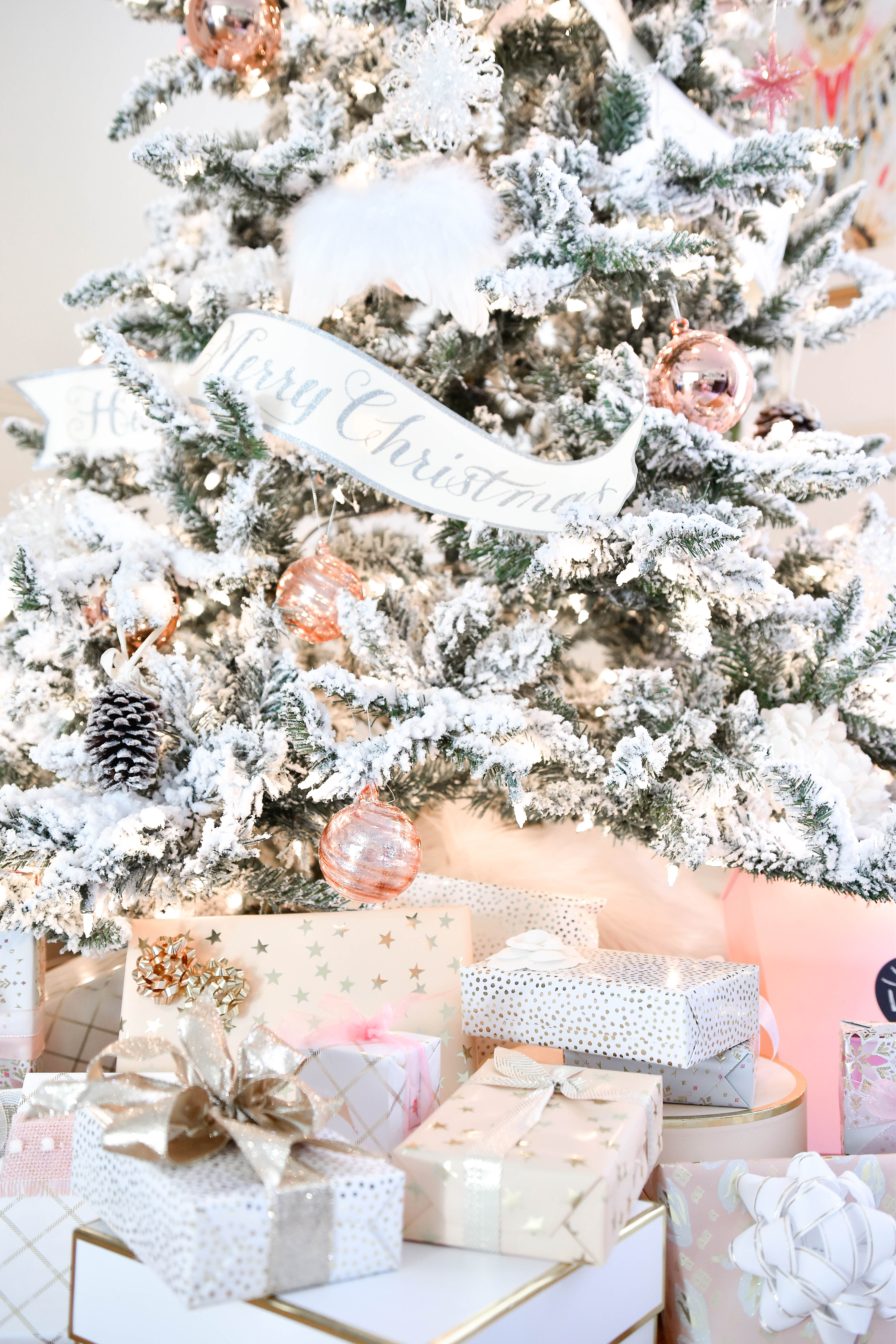 Christmas-decor, pink-christmas, christmas-decorating-ideas, gift-wrap, Pink-christmas, Pink-Christmas-decor, Flocked-Christmas-tree, Pink-Ornaments