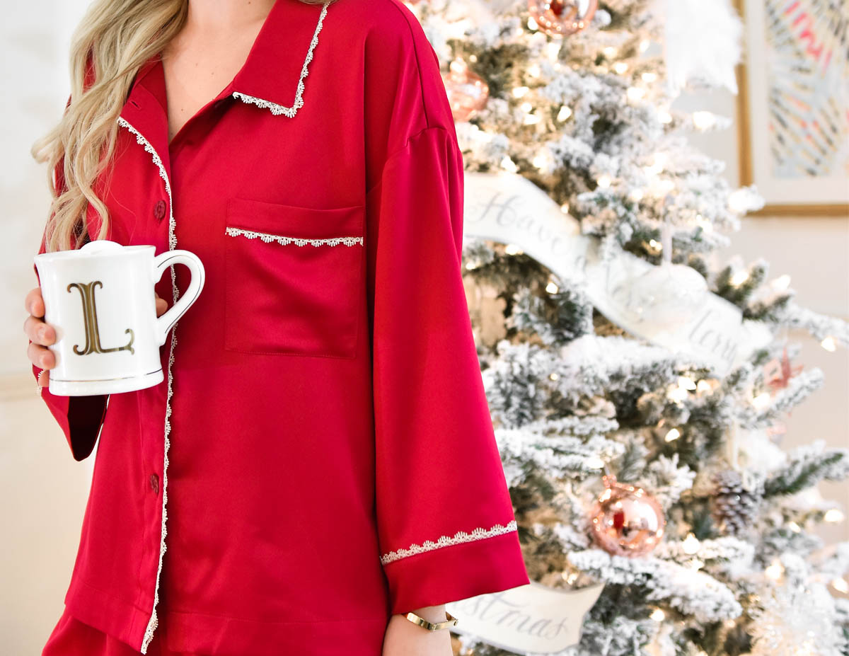 Pajama-set, christmas-pajamas, Pajamas-under-$100, nordstrom-sleepwear, hot-chocolate, cute-coffee-mugs