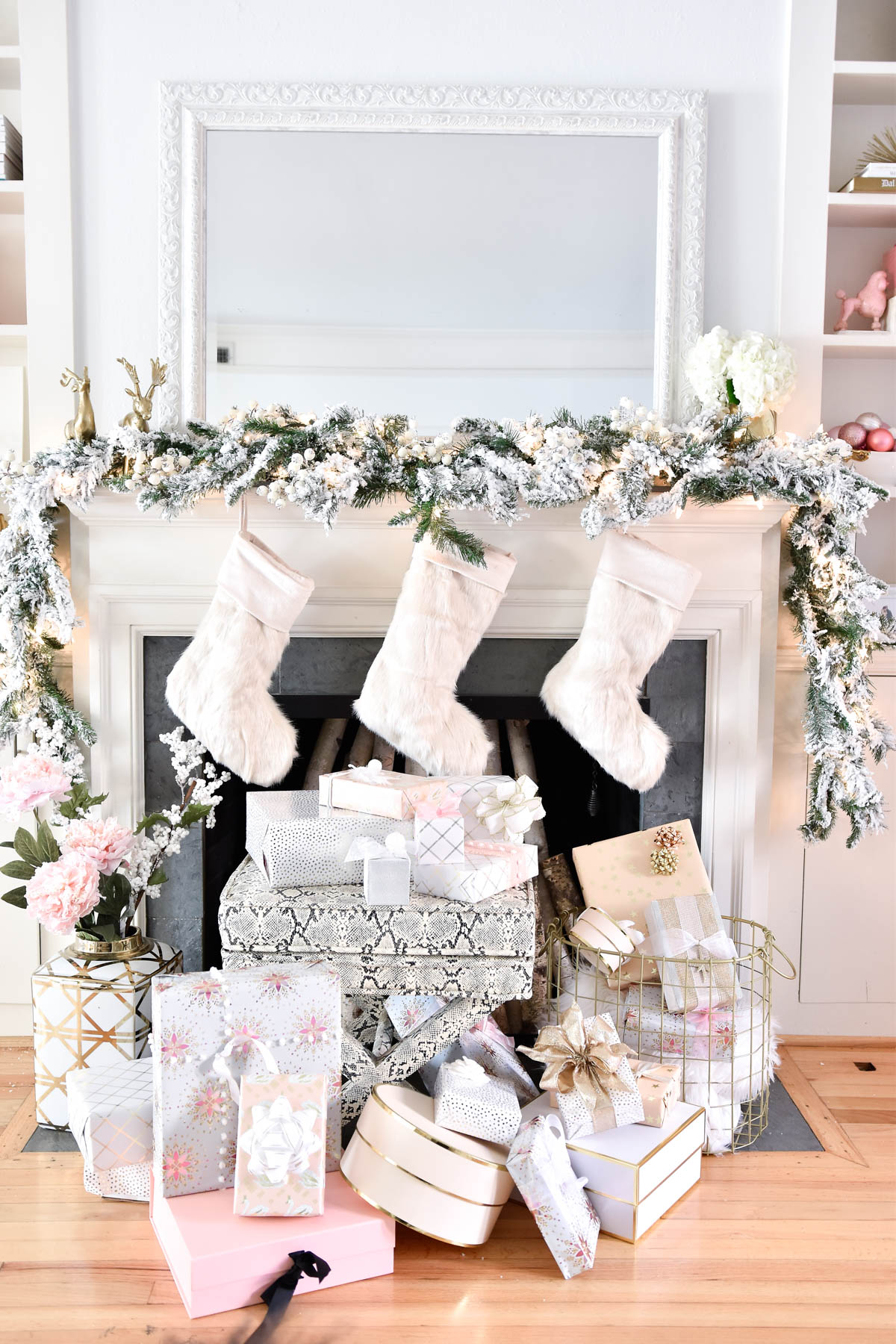 Decorating-your-mantle-for-christmas