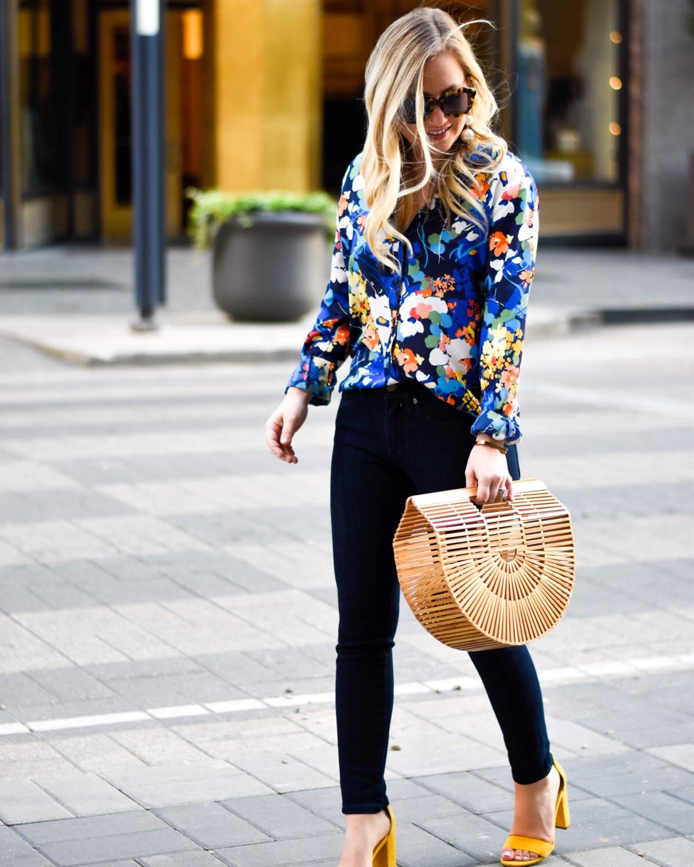 Banana-Republic-Jeans, Banana-Republic-Blouse, What-moves-you, Floral-blouse