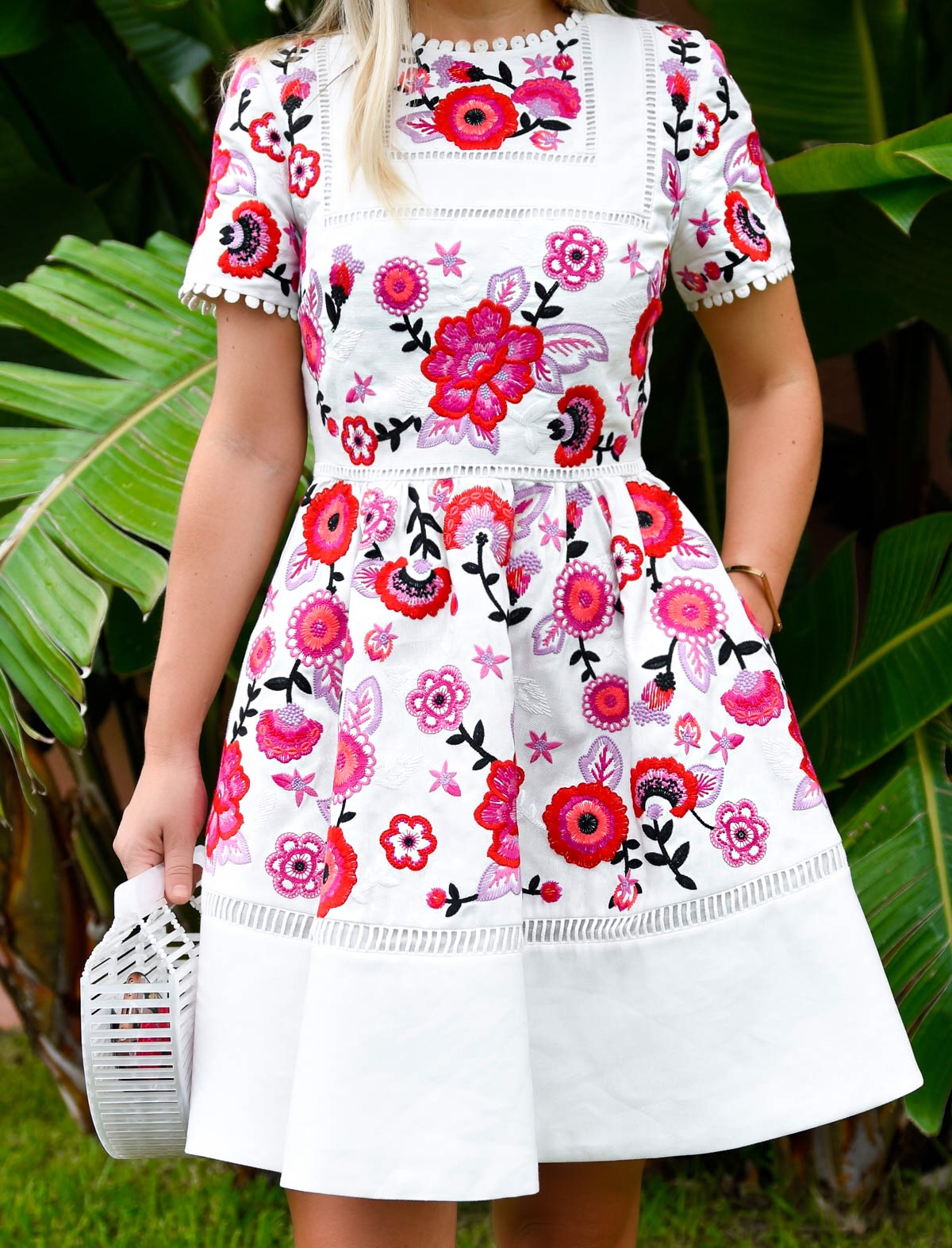 Kate Spade Madison Ave Collection, Kate Spade Briley Dress, Kate Spade Dress, Embroidered Dress, Bermuda, Pink Dress, Cult Gaia Bag, Embroidered Dress, Floral Dress