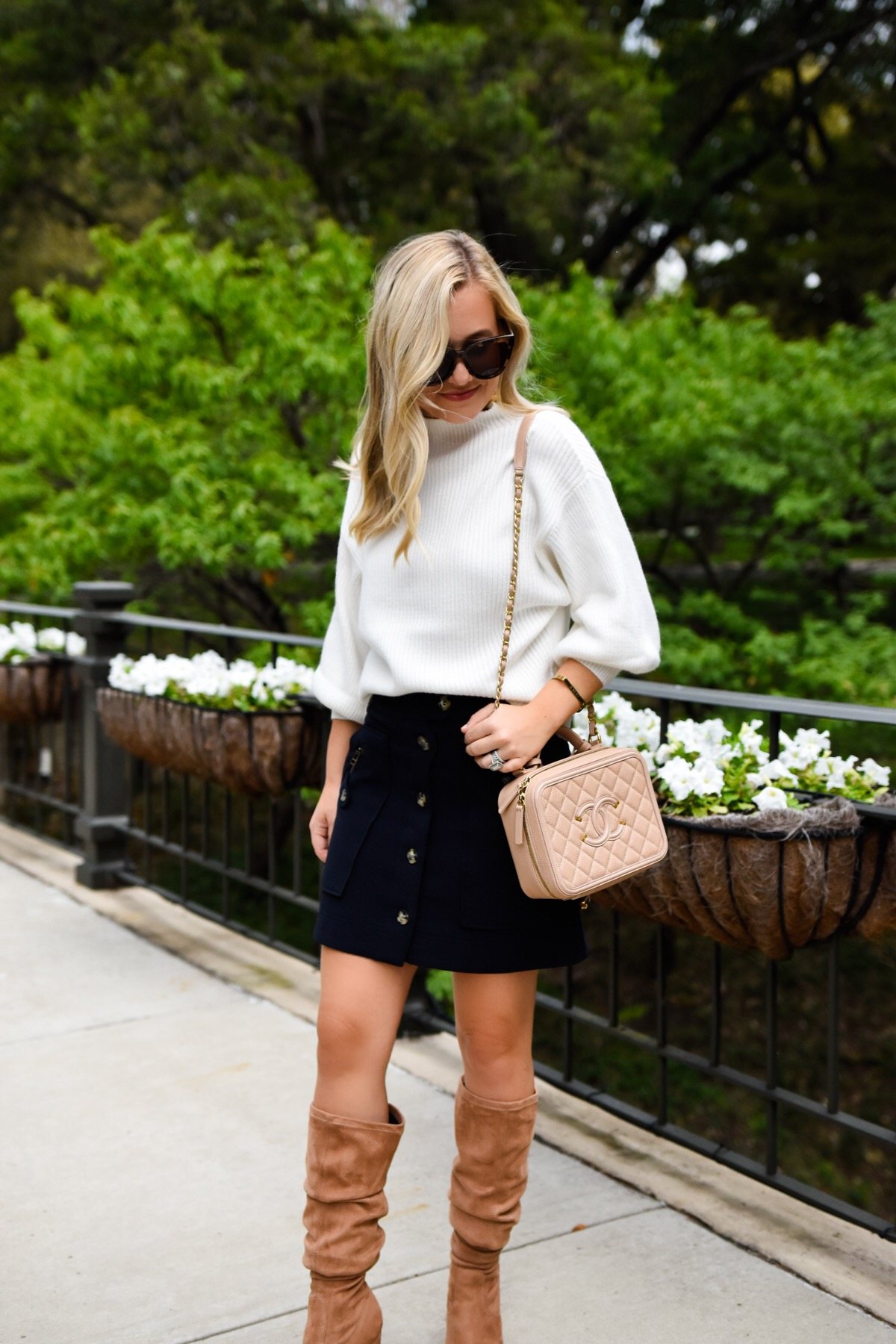 Veronica beard skirt, line & dot sweater, chanel Handbag, white sweater, mock neck sweater, navy skirt, navy button front skirt, fall outfit inspo, fall outfit