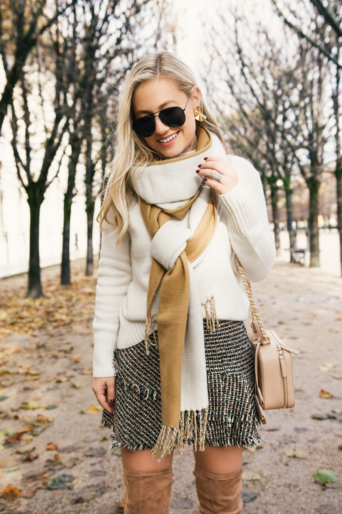 HM Skirt, J. Crew Sweater, Topshop Scarf, OTK Boots, Camel over the knee boots, thanksgiving look, thanksgiving outfit, fall outfit idea, casual thanksgiving outfit, paris, travel blogger, black friday sales