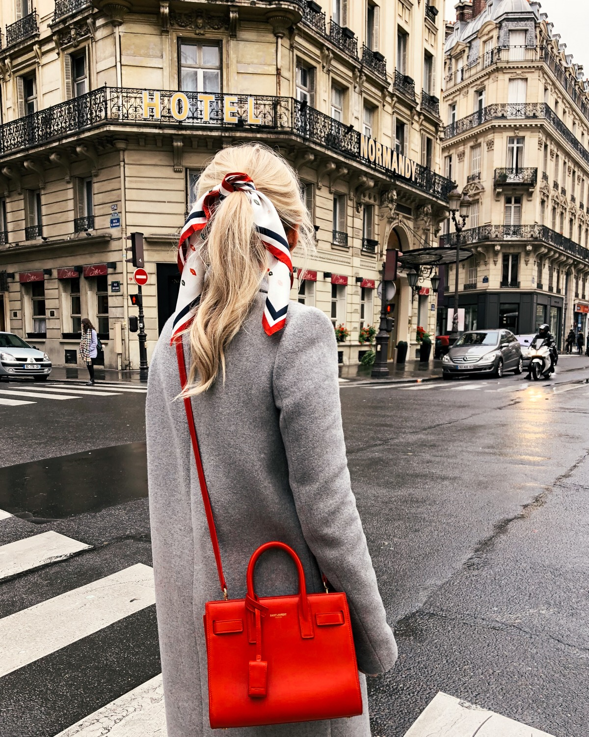 paris, street style paris, hair bow, ssl handbag, saint laurent handbag, grey coat, j. crew coat, on sale, black friday, black friday sales