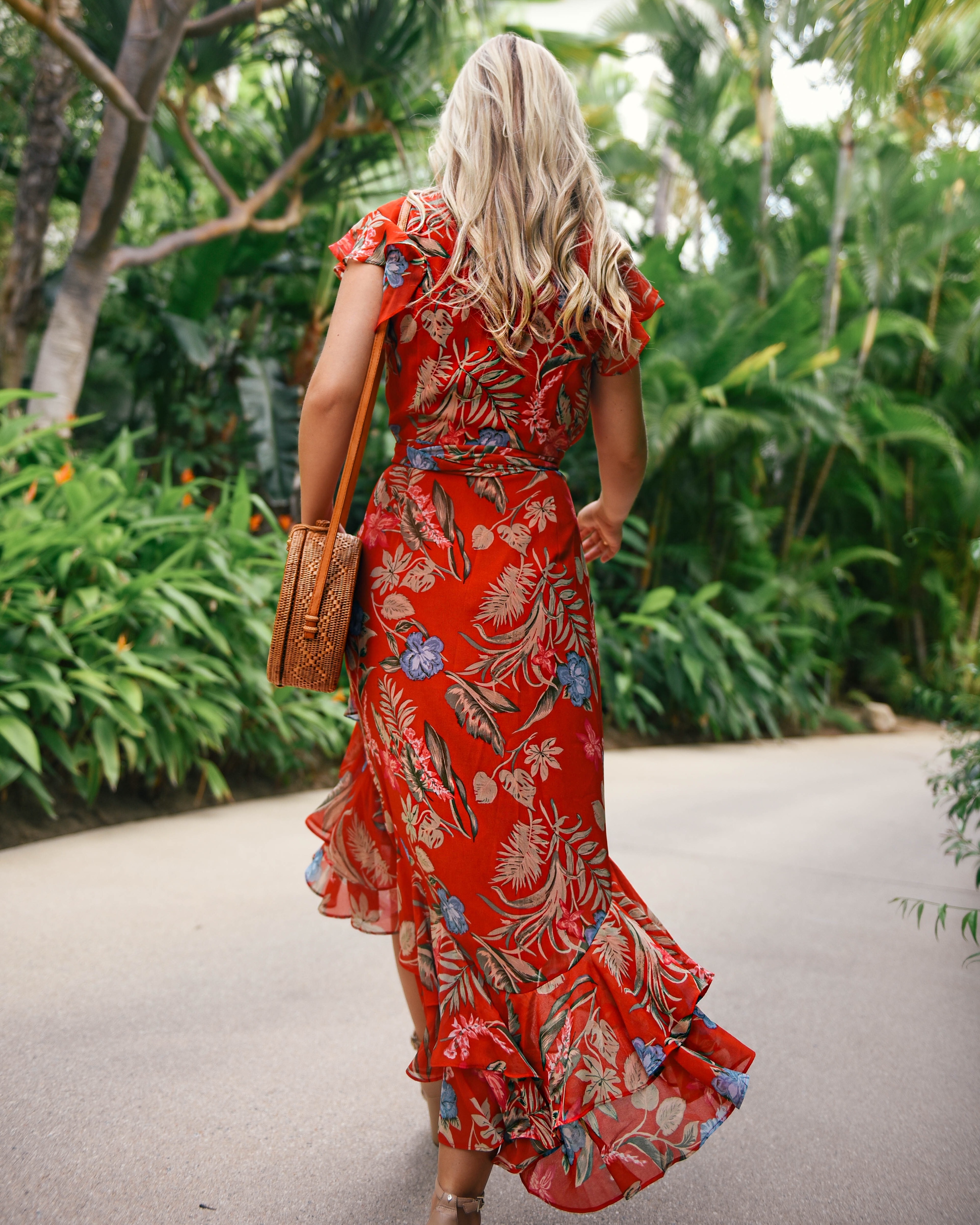 WAYF-Floral-Dress-Lo-Murphy-Woven-Bag-Kendra-Scott-Earrings-Red-Dress-Under-100-travel-blogger-Cabo