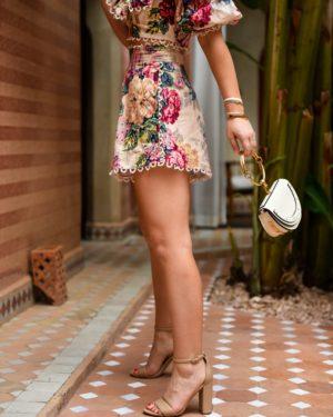 Blonde-Woman-Wearing-Zimmermann-Melody-Off-Shoulder-Crop-Top-Melody-High-Waist-Shorts-Lo-Murphy-Chloe-Handbag-Matching-Set-Travel-Blogger-2