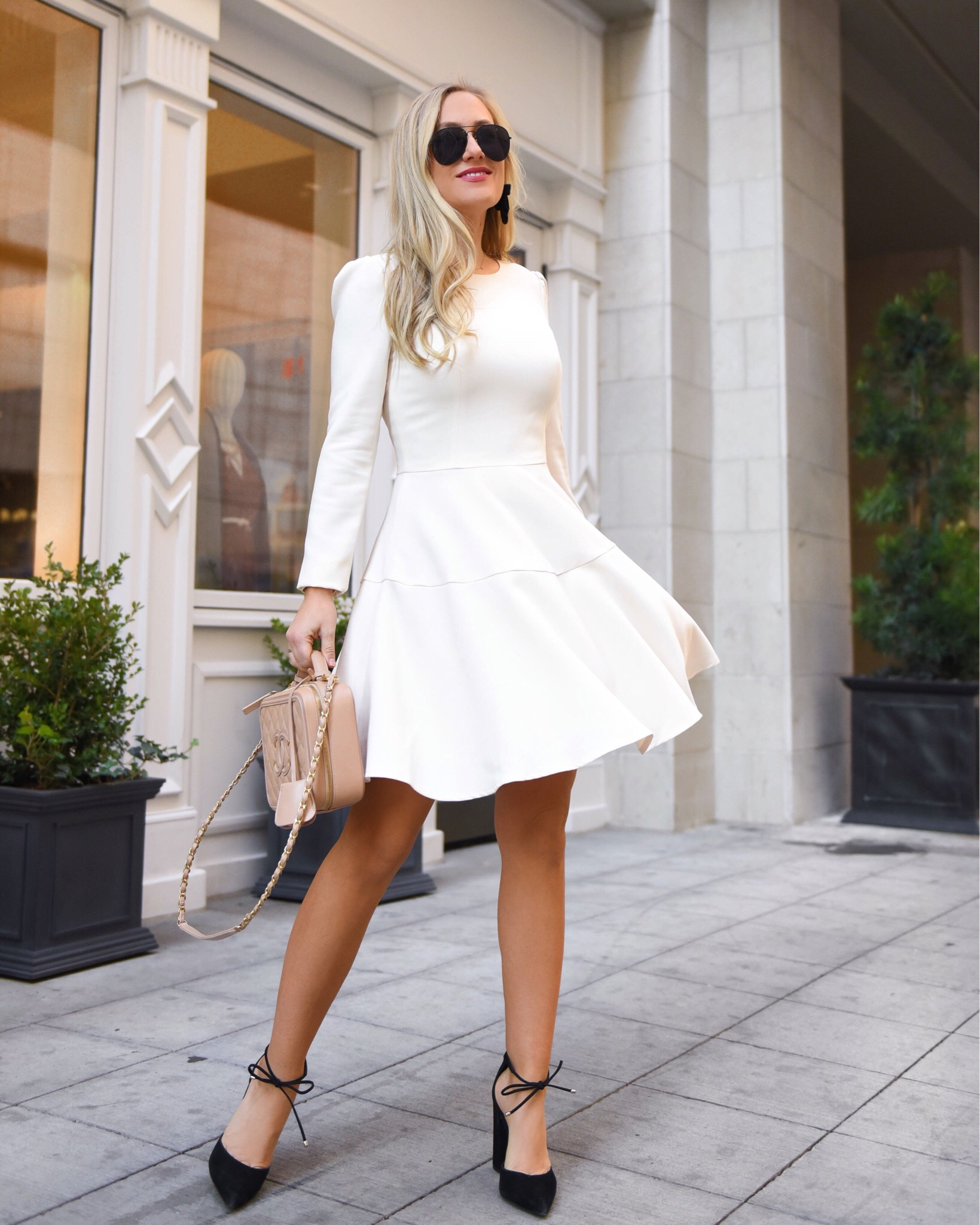 Thanksgiving-Outfit-Ideas-LWD-White-Dress-Winter-White-Lo-Murphy-Chanel-Handbag-Gal-Meets-Glam-Dress