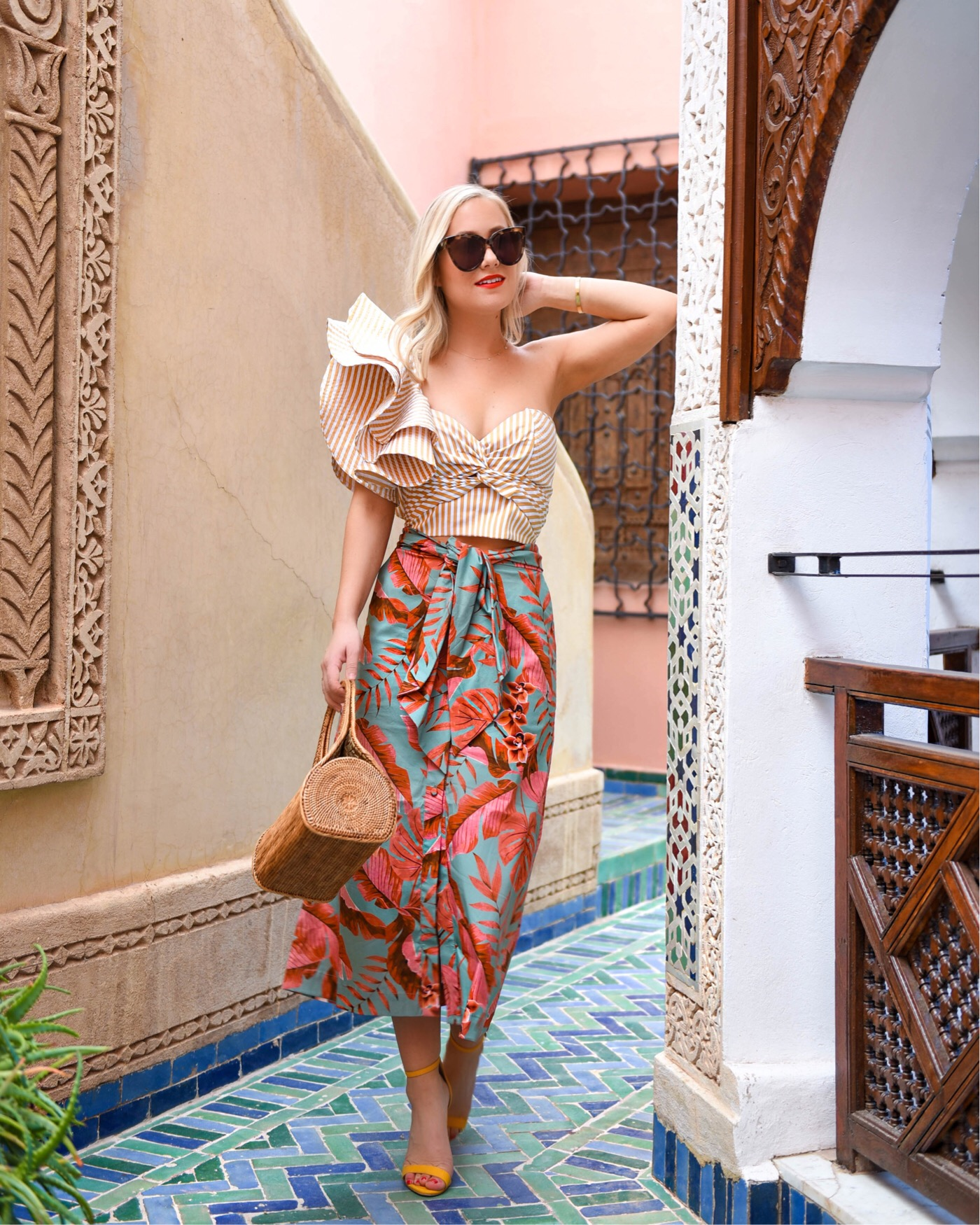 Lo-Murphy-Johanna-Ortiz-Colorful-Matching-Set-Moda-Operandi-Marrakech-Travel-Blogger-Woven-Bag