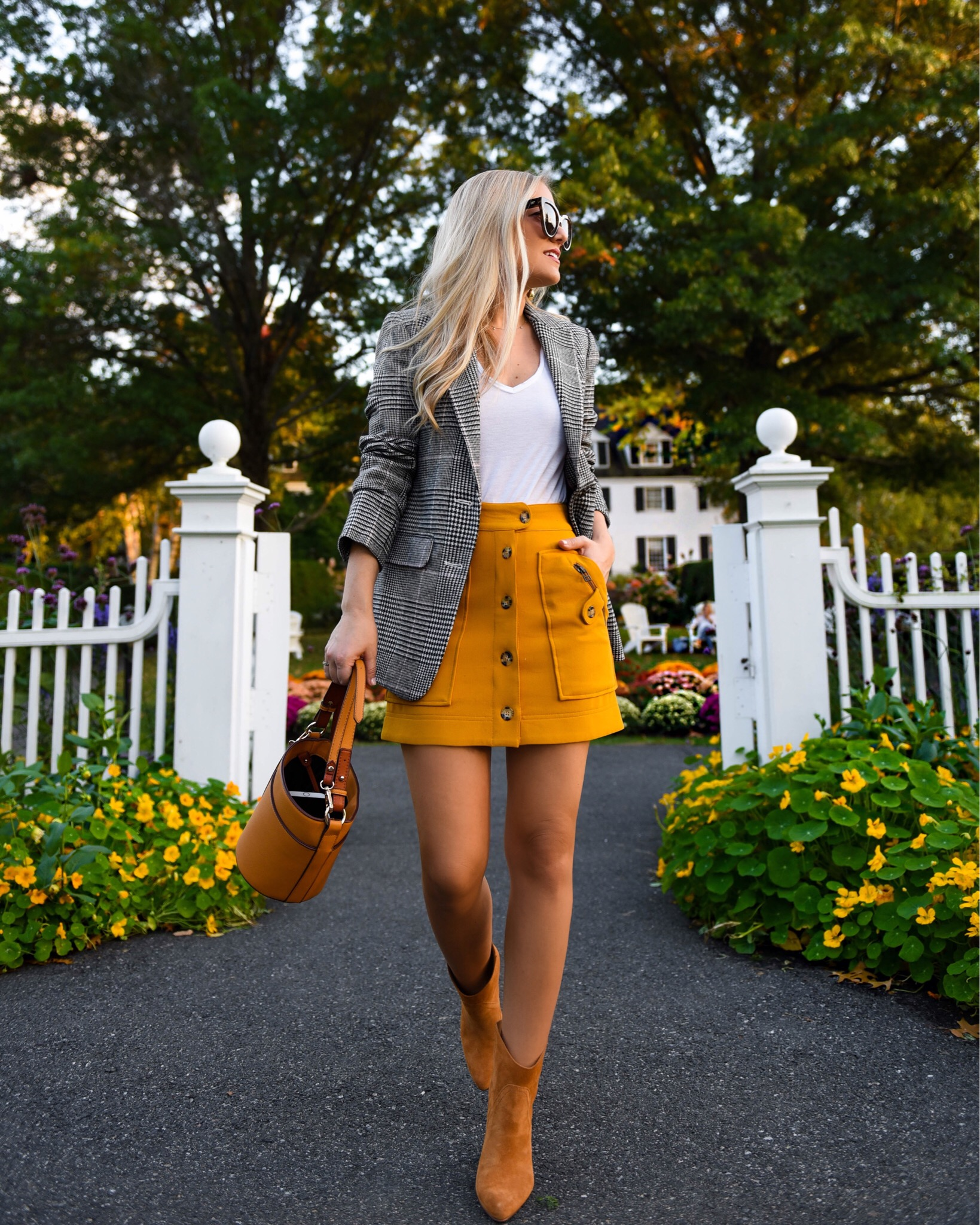 Lo-Murphy-Fall-outfit-mini-skirt-fall-look-ootd-dallas-blogger-plaid-blazer
