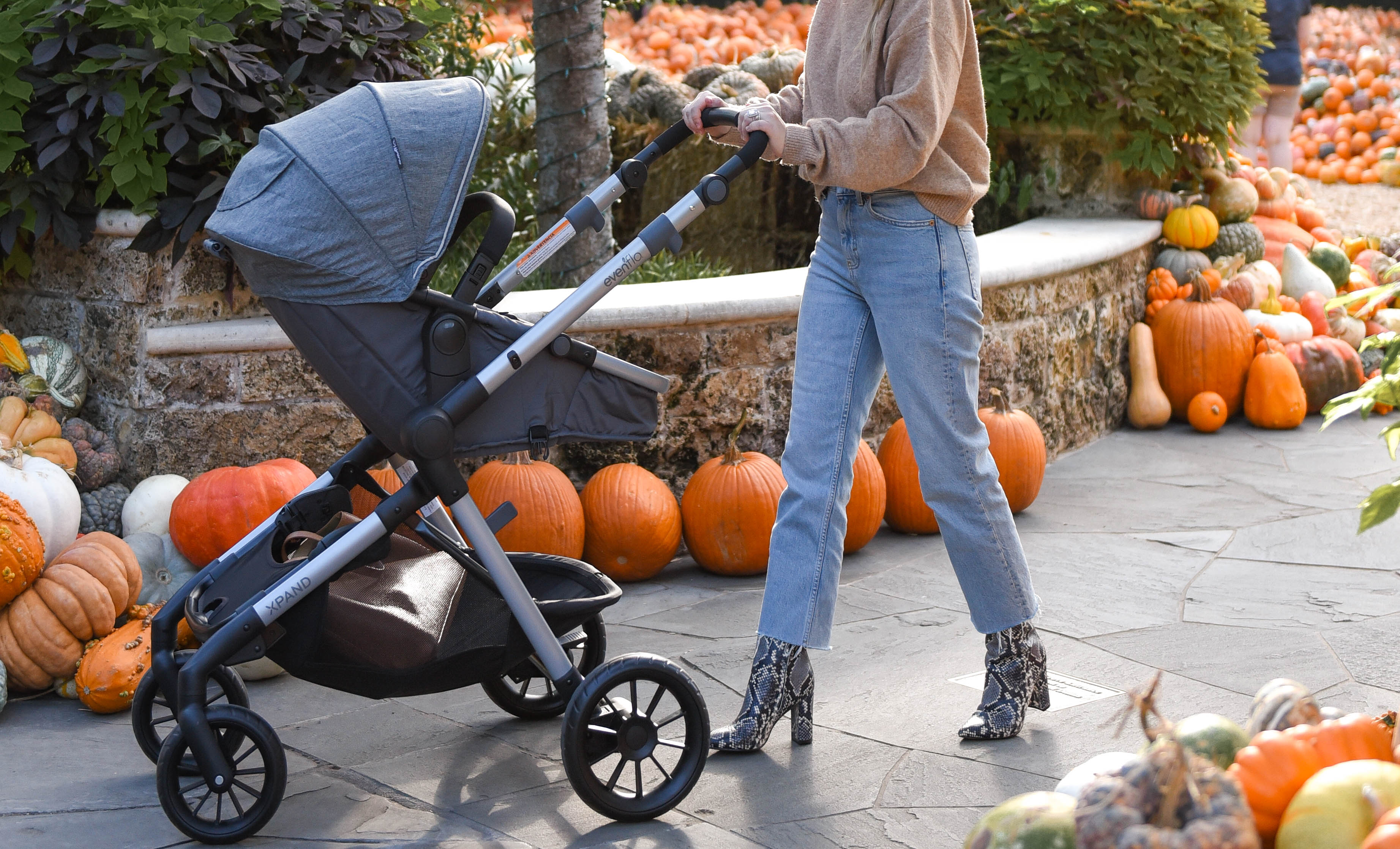 walmart-baby-stroller-lo-murphy-evenflo-stroller-dallas-blogger