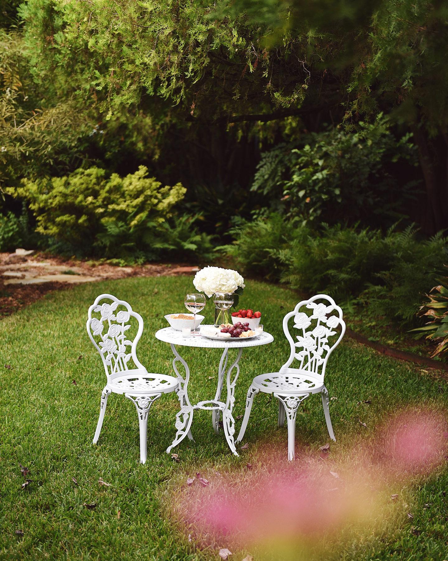 Lo-Murphy-Walmart-Cheeseboard-Date-Night-dallas-blogger-outdoor-furniture